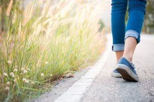 Spazieren gehen ist gesund.